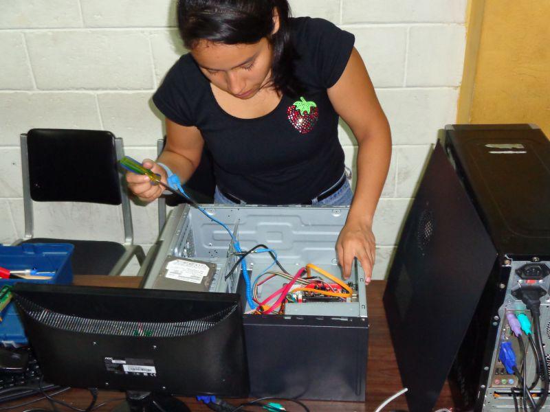 Fortalecimiento integral a jóvenes en situación de riesgo de maras y pandillas en la Microrregión del Gran San Salvador