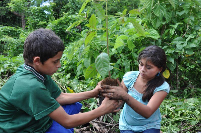 Fortalecimiento de las capacidades y el liderazgo de niños, niñas y jóvenes del departamento de Chalatenango