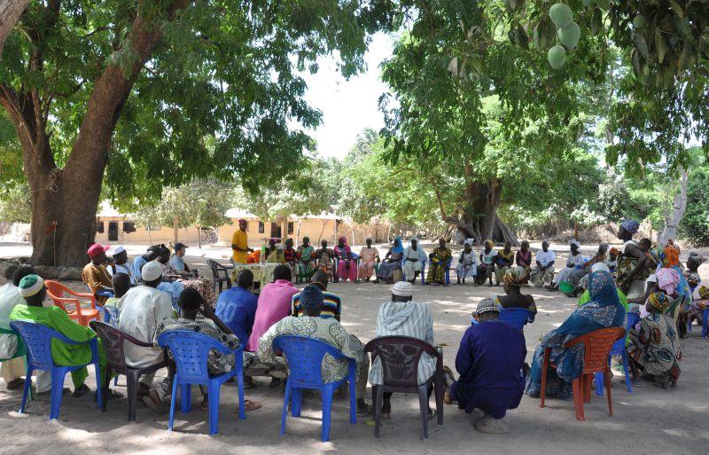 Mejora del acceso a la Educación Media en condiciones igualitarias de niños y niñas de la zona de Les Palmiers, Municipio de Djinaky, Departamento de Bignona, Senegal